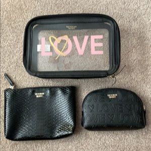 NWOT. VS makeup bag set